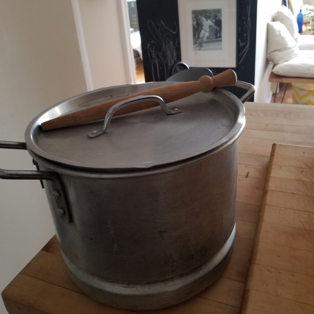 Thrifted stock pot with lid